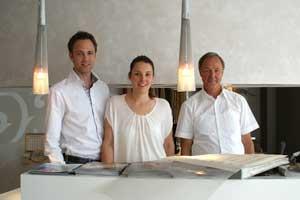 Patrick, Julia und Wolfgang Rehage arbeiten generationenübergreifen zusammen. Kommunikation halten sie für das Schmiermittel eines erfolgreichen Fachhandels.