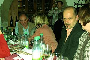 Der Wein war immer der gleiche, aber je nach der Farbe der Beleuchtung hatten die Teilnehmer ein anderes Geschmacksempfinden.