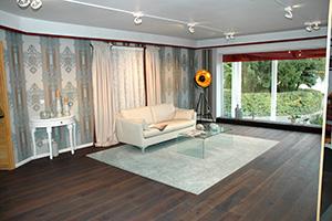 Großzügig dimensioniert ist die Ausstellung der Raumausstattung Trebes. Sie bietet genug Platz für ganze Wohnlandschaften.