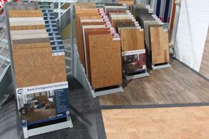 Kork- und Vinylböden von KWG stocken das Sortiment auf.